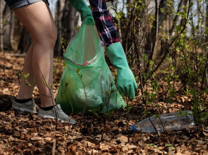 How recycling plastic helps the environment